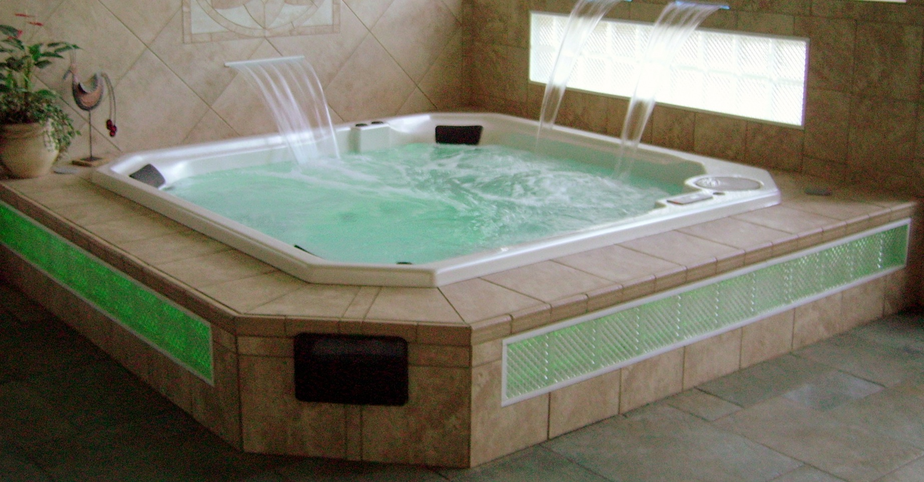 hypertension and tub hot tub Just about everyone who has both a hot tub and a swimming pool has  such as  heart disease, high blood pressure, or kidney problems.